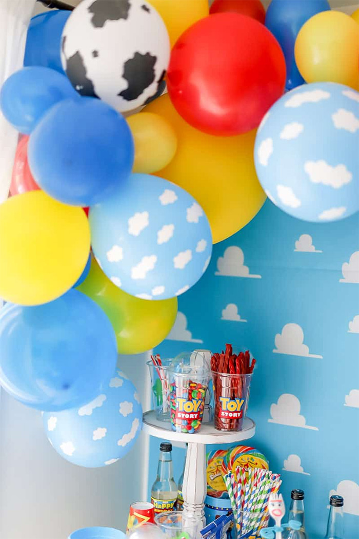 toy story balloon garland