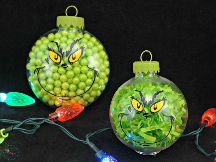 Grinch design christmas balls