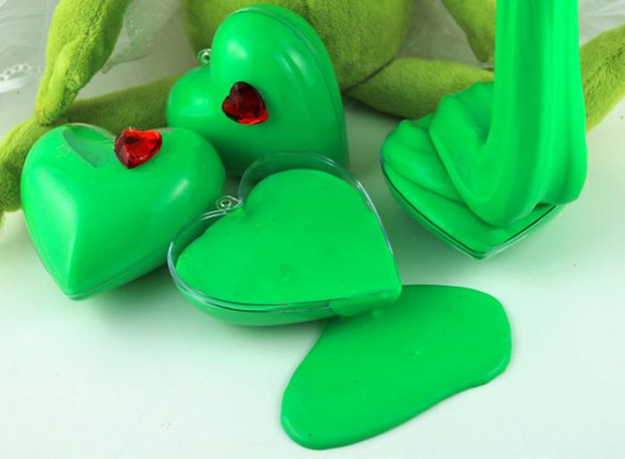 Grinch colored slime