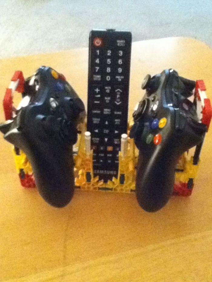 Knex video controller holder