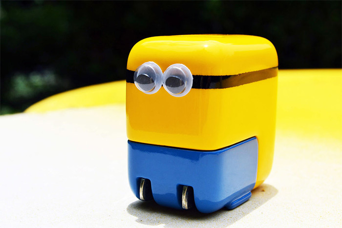 iPhone minion charger