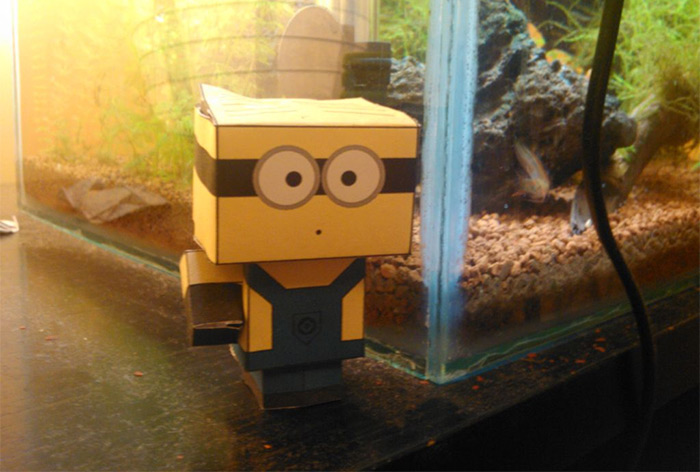 papercraft minion diy
