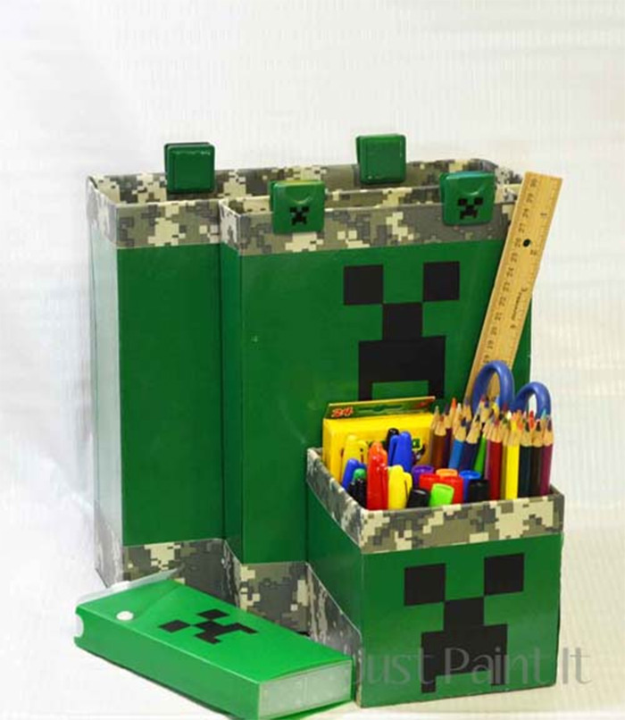Minecraft desk organizing project
