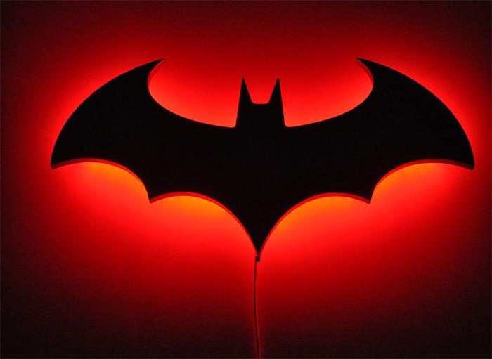 Batman wall lamp diy