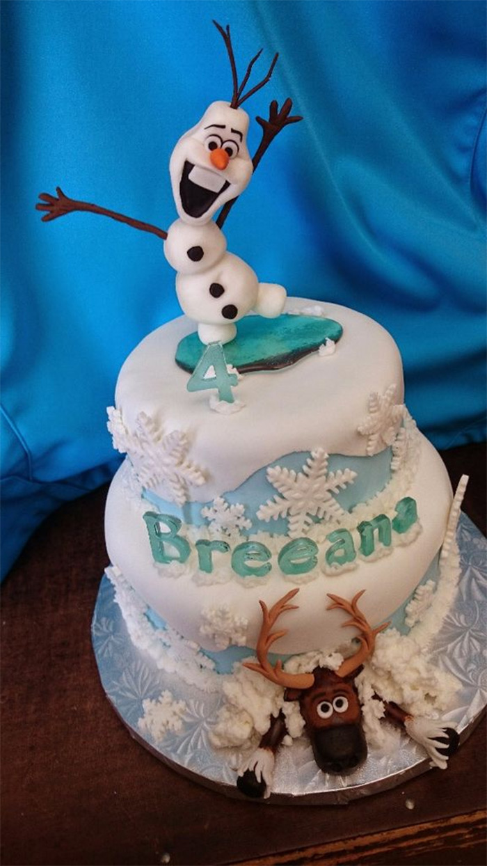 Frozen themed cake baking